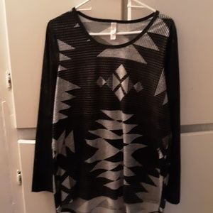 Gorgeous Aztec high low long sleeve top.